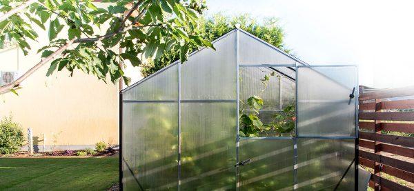 Drivhus med aluminium konstruksjon